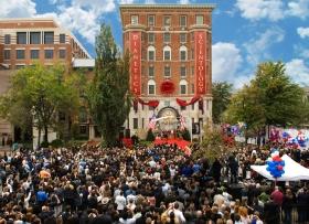 El 31 de octubre de 2009, tres mil scientologists e invitados asistieron a la inauguración y apertura de la nueva Iglesia Fundacional. La estructura fue restaurada completamente como uno de las principales lugares históricos de Washington.
